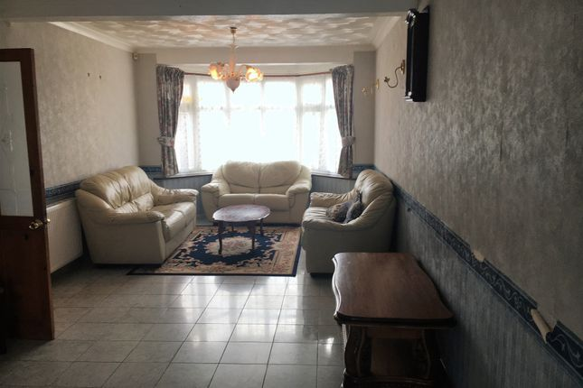 Thumbnail Semi-detached house to rent in Allen Close, Bedford
