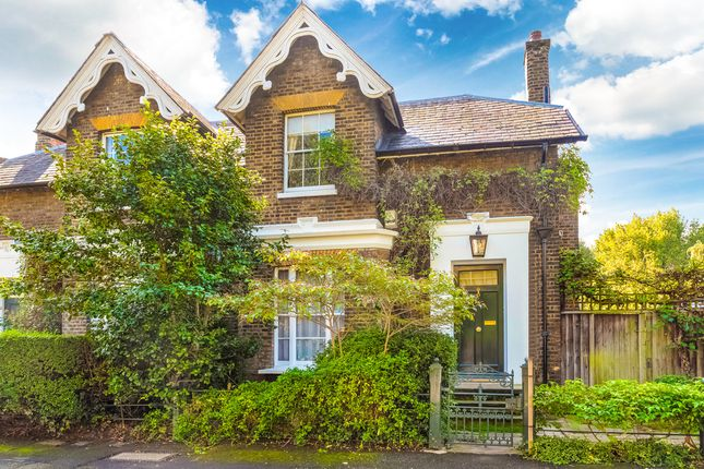 Thumbnail Semi-detached house for sale in Lyndhurst Square, London