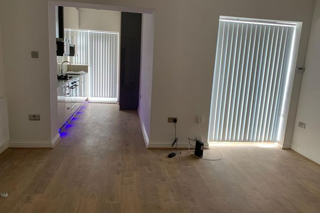 Thumbnail Flat to rent in Old Park Ridings, London