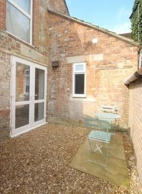 1 bed flat to rent in High Street, Warminster BA12