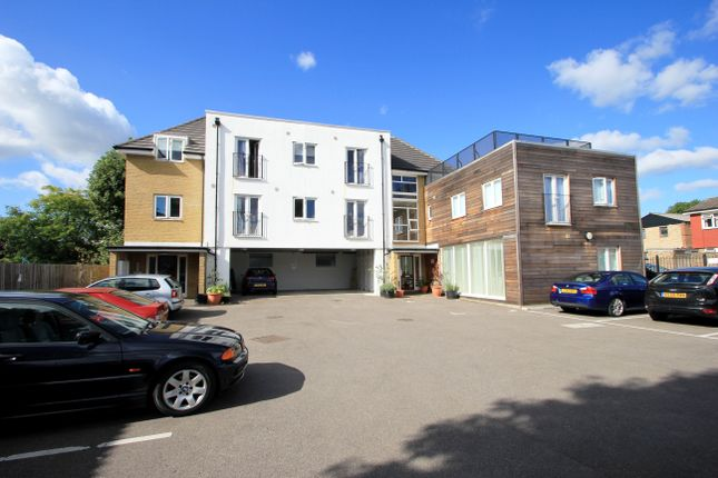 2 bed flat for sale in Alpha Road, Surbiton KT5