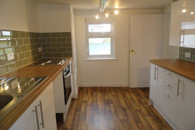 Thumbnail Flat to rent in Cross In Hand, Heathfield