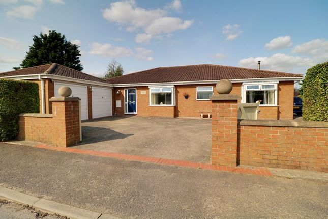 Thumbnail Detached bungalow for sale in Fortyfoot Lane, Kirmington, Ulceby