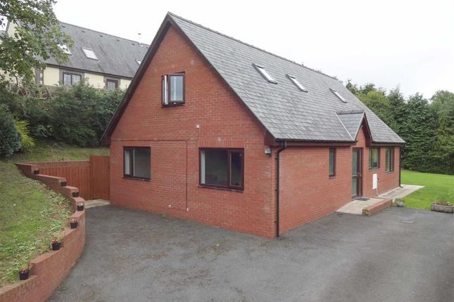 Thumbnail Bungalow for sale in Tynant, Llangadfan, Welshpool, Powys