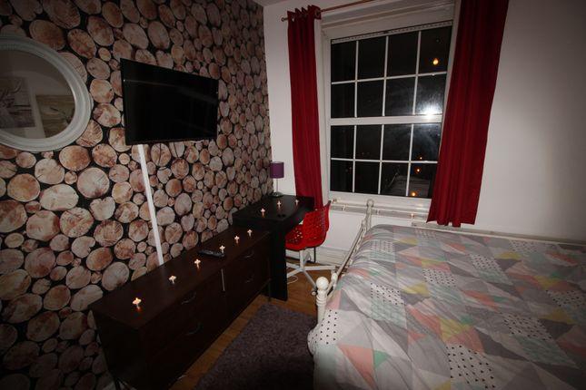 Photo 7 of Wheler Hosue, Quaker Street, Shoreditch E1