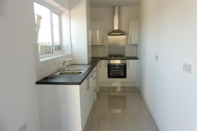 Thumbnail Property to rent in Thorncroft Drive, Heswall, Wirral