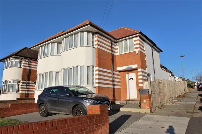 Thumbnail End terrace house to rent in Hampden Way, Southgate