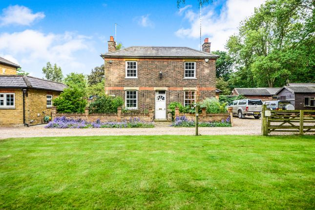 Thumbnail Detached house for sale in Station Road, Bricket Wood, St. Albans