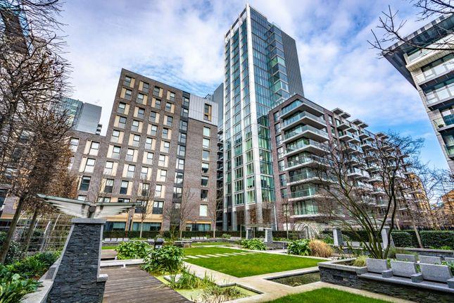 Thumbnail Flat to rent in Goodman's Fields, London