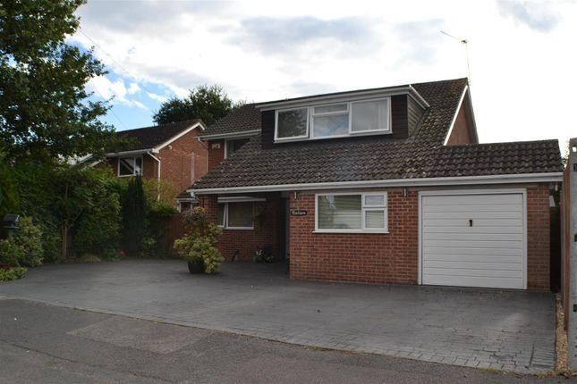 Thumbnail Property for sale in Boundary Close, Tilehurst, Reading