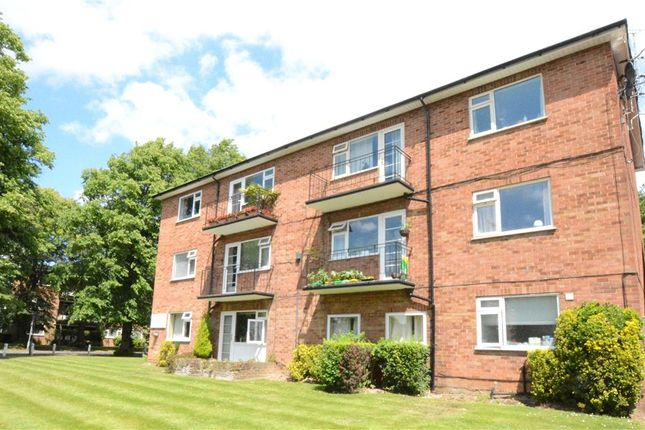 Thumbnail Flat for sale in Harescombe Court, Penn Road, Beaconsfield
