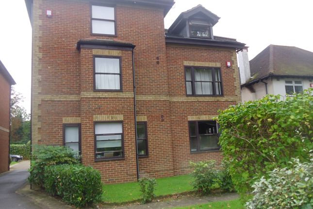 Thumbnail Flat to rent in Grove Road, Sutton