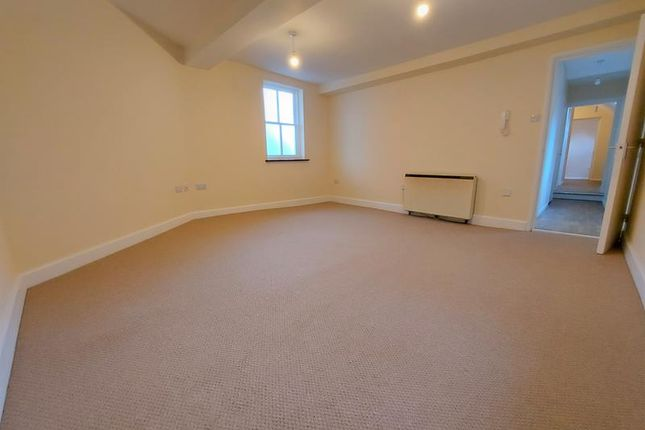 Thumbnail Flat to rent in 6 Pepperpot Mews, Worcester, Worcestershire