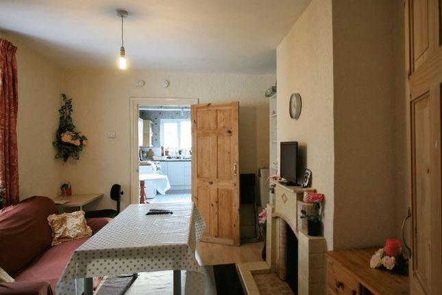 Thumbnail Flat to rent in Francis Road, Leyton