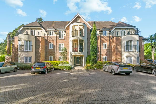 3 bed flat for sale in Fairfield House, London Road, Ascot, Berkshire SL5
