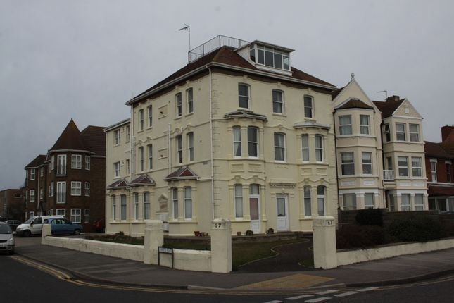 Thumbnail Flat to rent in 67 Marine Parade East, Clacton-On-Sea