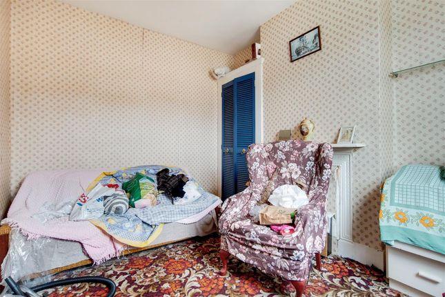 10_Bedroom 2-1 of Robson Road, London SE27