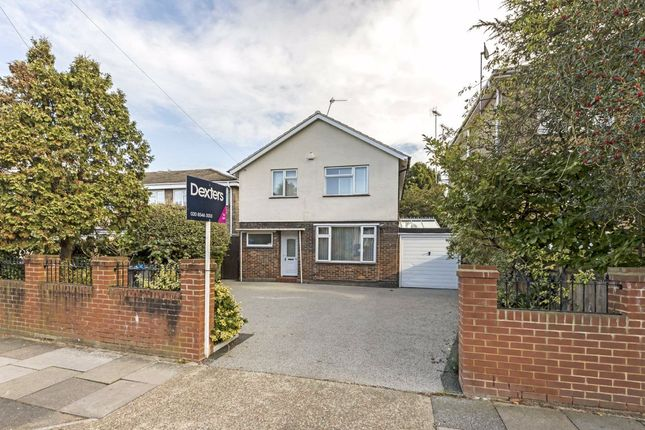 3 bed property to rent in Westbury Road, New Malden KT3