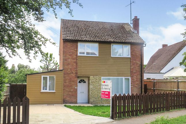 Thumbnail Detached house for sale in Leopold Road, Linslade, Leighton Buzzard