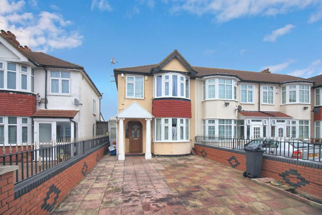Thumbnail End terrace house to rent in Myrtle Avenue, Feltham