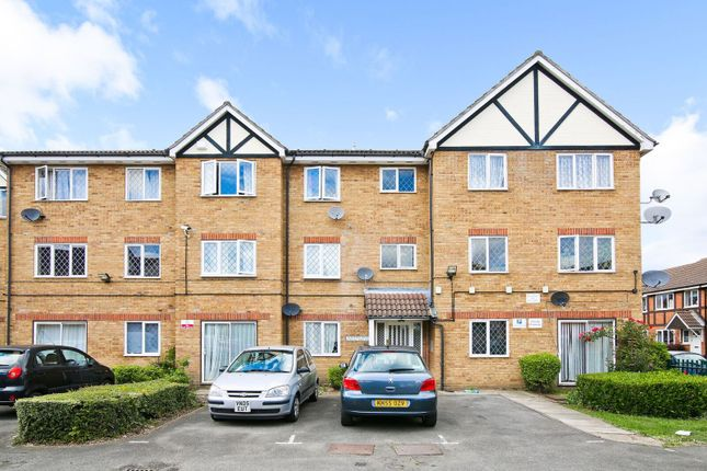 Thumbnail Flat to rent in Heathfield Drive, Mitcham