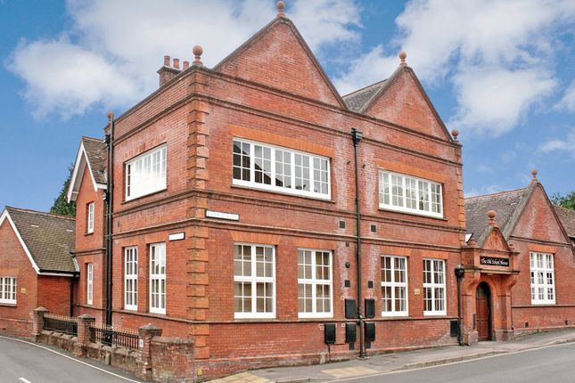 Flat for sale in Bank Street, Bishops Waltham, Southampton