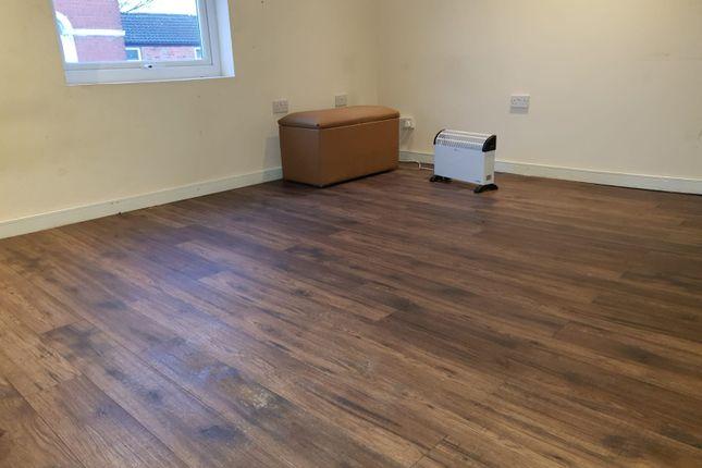 Thumbnail Flat to rent in Greenlane, Birmingham