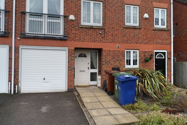 3 bed terraced house to rent in Eaton Drive, Rugeley