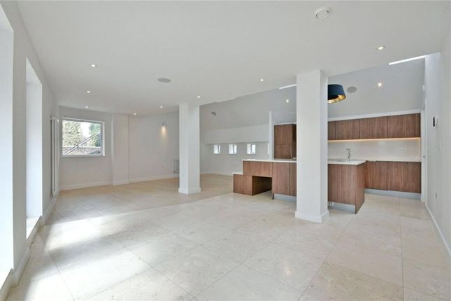 Thumbnail Flat to rent in Liverpool Road, London