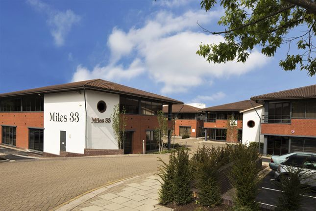 Thumbnail Office to let in 2 E-Centre, Easthampstead Road, Bracknell, Berkshire