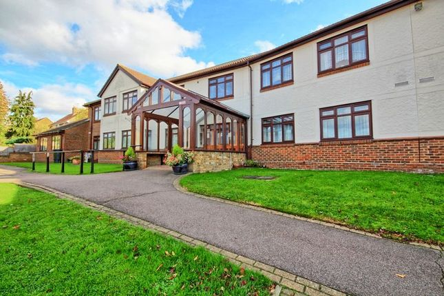 Thumbnail Flat for sale in The Sheritons, Rayleigh