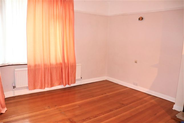 Thumbnail Bungalow to rent in Woodhill Crescent, Kenton