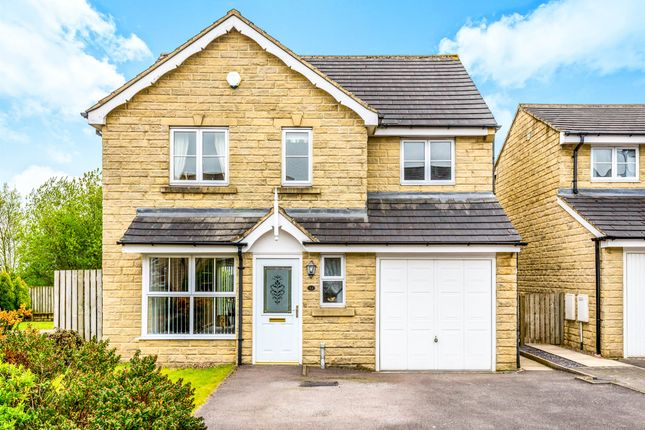 4 bed detached house for sale in Highcliffe Court, Shelf, Halifax