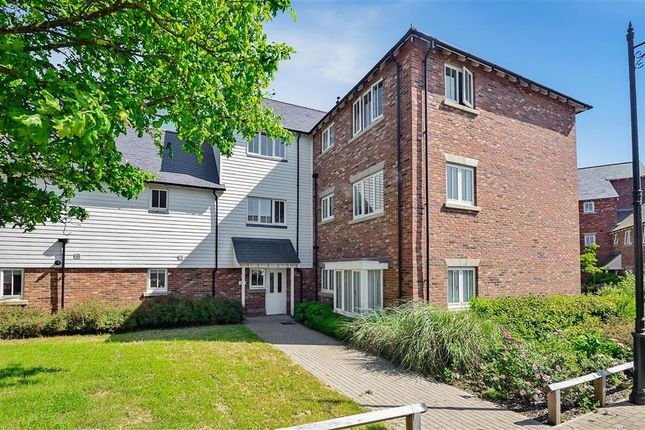 Thumbnail Flat for sale in Contessa Close, West Malling, Kent