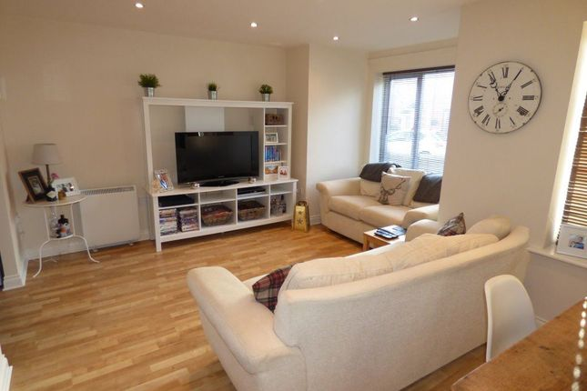 2 bed flat to rent in Upton Close, Castle Donington