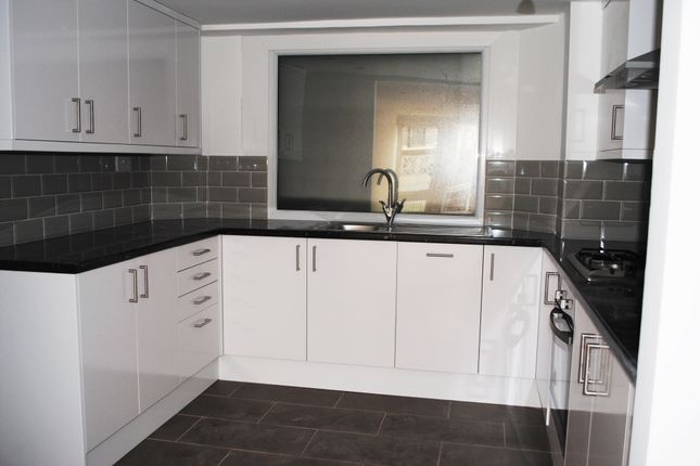 Thumbnail Flat to rent in Albion Road, Stoke Newington