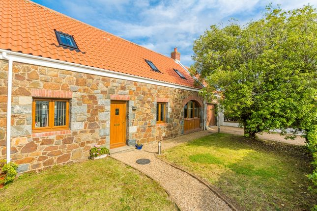 Thumbnail Detached house to rent in Summerfield Road, Vale, Guernsey