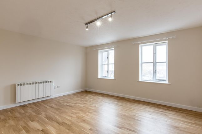 Thumbnail Flat to rent in Abbeydale, Close, Essex