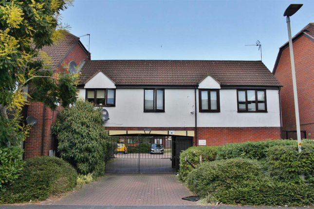 1 bed flat to rent in Lysons Avenue, Linden, Gloucester GL1