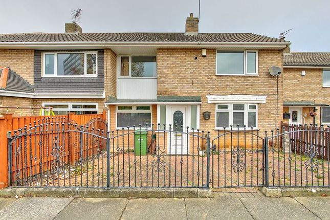 2 bed semi-detached house to rent in Lingdale Road, Thornaby TS17