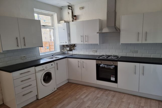 Thumbnail Terraced house to rent in Morley Road, London