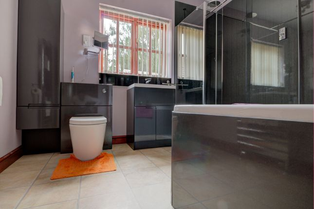 Bathroom of Bethersden, Ashford TN26