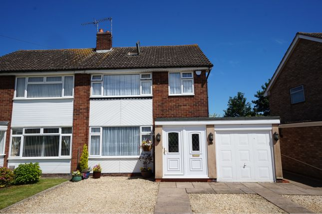 Thumbnail Semi-detached house for sale in Manor Farm Road, Shipston-On-Stour