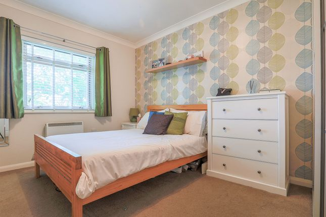 Bed House To Buy In Crawley