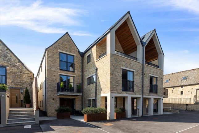 Thumbnail Flat for sale in Flat 2, The Old Brewery, Priory Lane, Burford, Oxfordshire