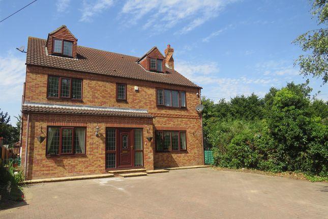 Thumbnail Detached house for sale in Doncaster Road, Hatfield, Doncaster