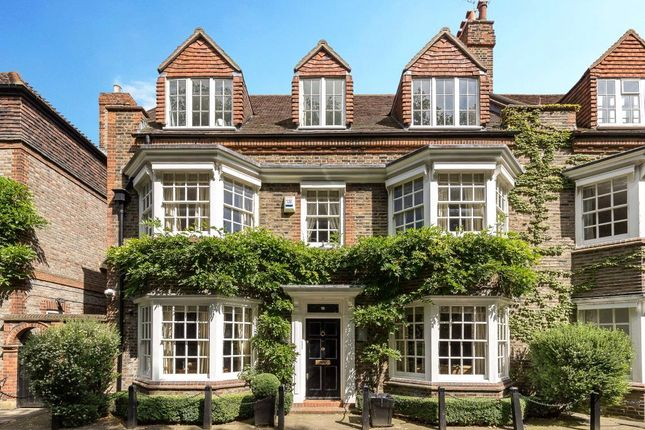 Thumbnail Property for sale in Chelsea Park Gardens, London