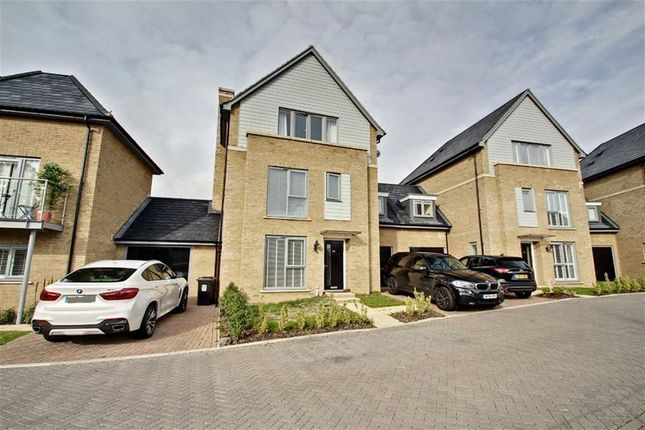 Thumbnail Link-detached house for sale in Kingcup Avenue, Leverstock Green, Leverstock Green