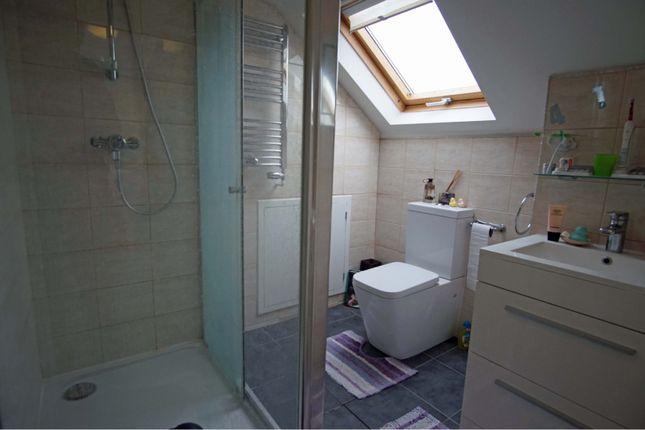 En-Suite of Valley Road, Brighton BN41