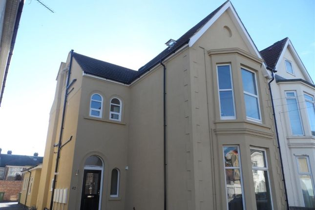 Thumbnail Flat to rent in Queens Road, North End, Portsmouth